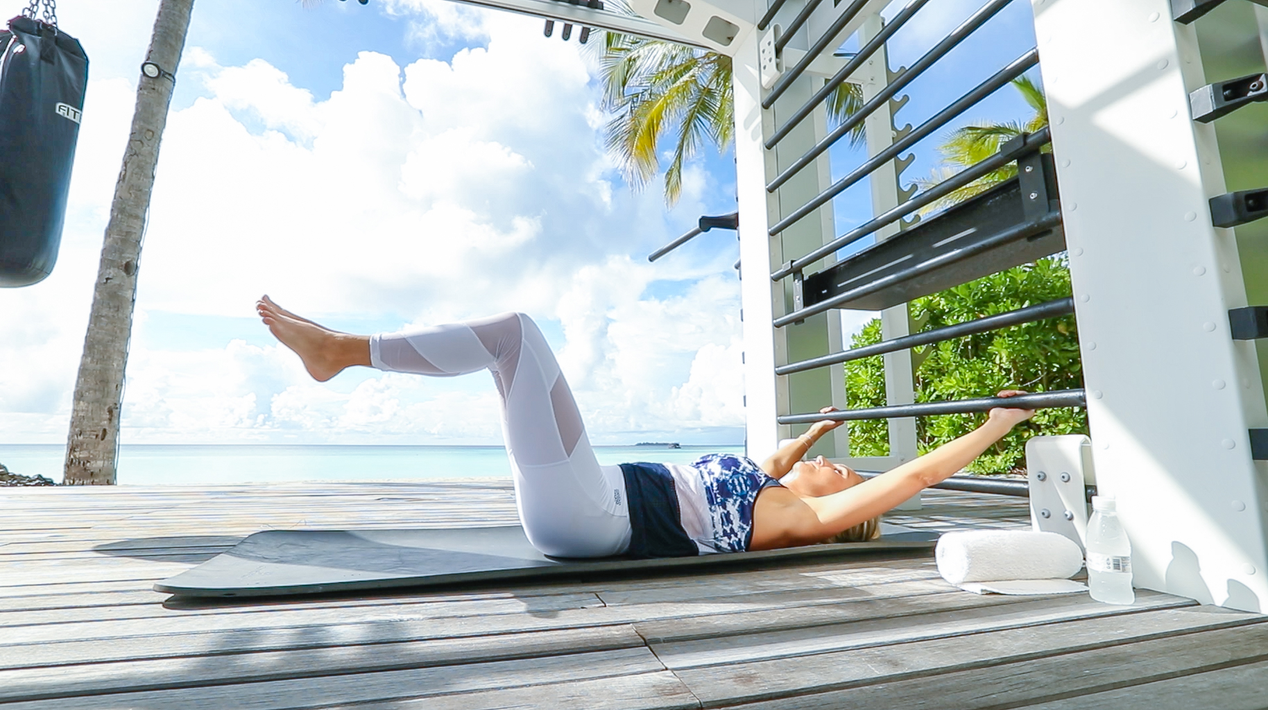 Fitness On Toast Faya Blog Girl Healthy Workout Training Maldives Working Out Ab Routine Beach Easy Moves Rock Hard Stomach Abdominals-5